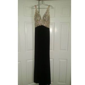 Gorgeous long black/nude ball gown